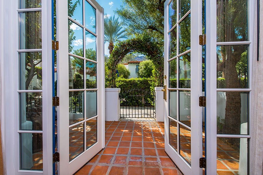 Villa - Glass Doors